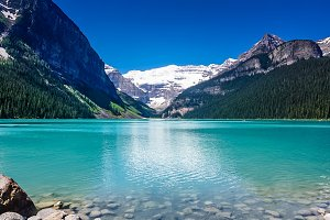 Lake Louise V-Banff, Alberta Canada