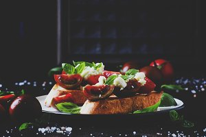 Crispy bruschetta with red and brown