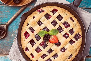 Traditional berry pie
