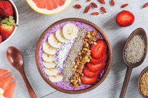 Acai smoothie bowl with superfoods