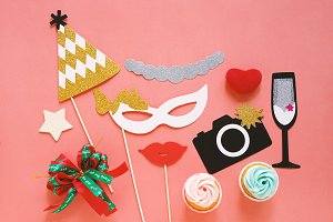 Cute party props and cake