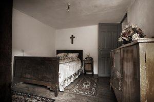 uncle Benigno old room 1