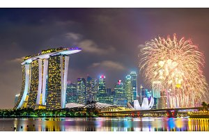 New Year fireworks above Marina Bay