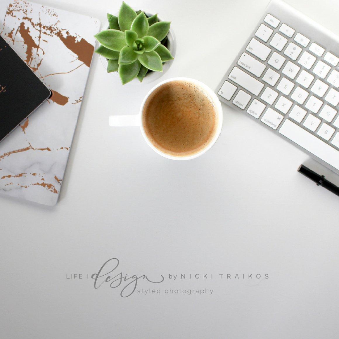 Minimalist Desktop with Keyboard