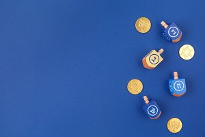 Dreidels & coins - Hanukkah