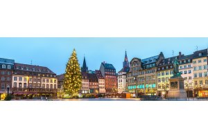 Panorama of Place Kleber with the