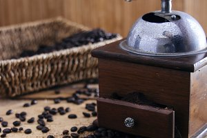 Roasted coffee beans in vintage sett