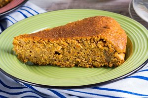 Spiced carrot cake with walnuts and