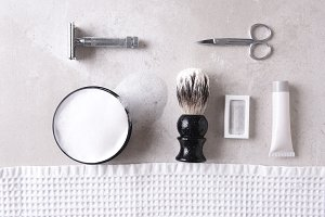 Personal grooming accessories on a g