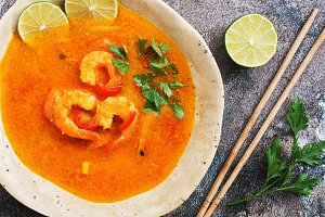 Spicy sour soup with prawns (Tom Yum