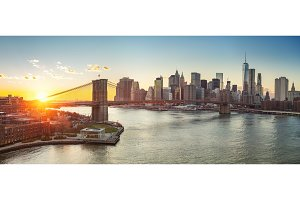 Brooklyn bridge and Manhattan at