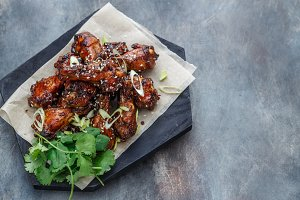 Baked chicken wings with sesame and