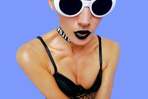 Fashion blonde Model in stylish acce