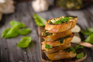 Garlic herbs toast with fresh mozzar
