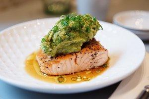 Fish steak with avocado mash