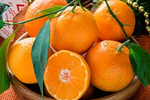 Tangerines in bowl