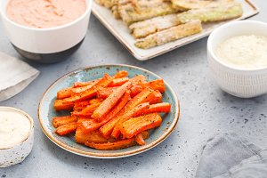 Baked season carrot sticks