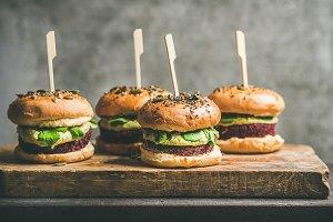 Vegan burgers with beetroot patties
