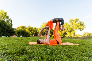 Yoga with children in the summer