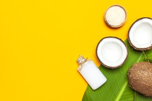 Organic cosmetics with coconut oil