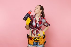 Young beautiful fun handyman woman i