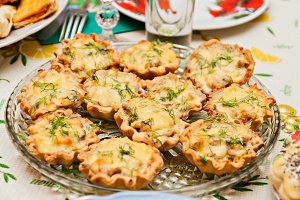 tartlets with cheese and mushrooms o