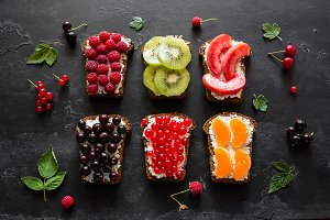 sandwiches with berries and fruits