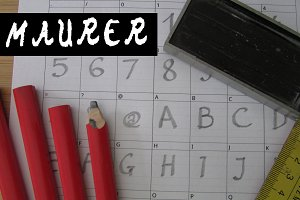 Maurer Handwritten Font