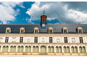 Chateau-Neuf, a palace in Laval