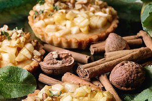 Sweet apple tartlets