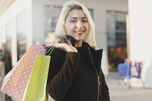 Shopper woman walking and shopping i