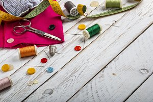 Set of scattered sewing accessories