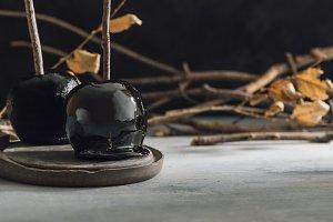 Black caramel apples, Autumn snack o