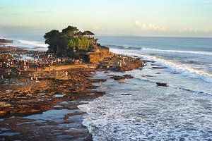 Tample on Tanah Lot rock. Bali