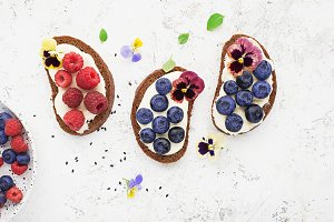 Light summer snack toasts with