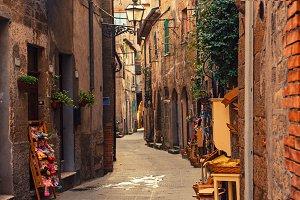 Pitigliano city street