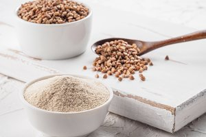 Buckwheat flour and buckwheat grain