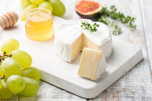 Cheese plate with brie, camembert