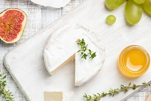 Brie or camembert cheese served