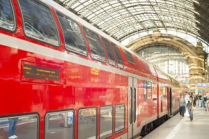 People Frankfurt Main Train station