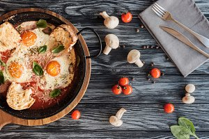 gourmet roasted eggs with cheese, fr