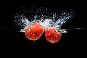 close up view of ripe tomatoes falli