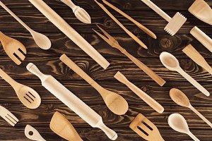 top view of set of kitchen utensils