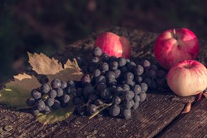 Apples and a few bunches of grapes