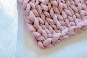 Mauve Chunky Knit Blanket