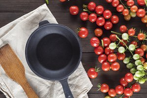 cast iron round frying pan
