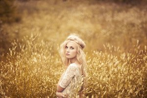 beautiful blonde in the field