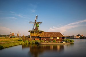 Farm houses and windmills of Zaanse