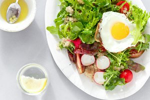 healthy breakfast salad fried egg