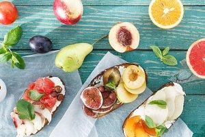 Different bruschetta fruit